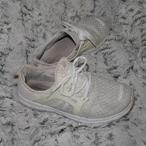 ✨ Well worn ✨ white pair cushy running tennis shoe